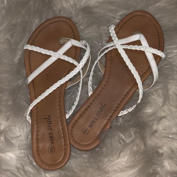 Wet Poshmark ShoesWhite Sandals Seal Crossed CdBxoe